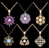 el sistema del ornamento de los colgantes del vintage de la joyería hecho de sea Imágenes de archivo libres de regalías
