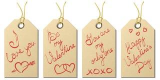 El sistema del regalo del día del ` s de cuatro tarjetas del día de San Valentín marca con etiqueta con saludos manuscritos Imágenes de archivo libres de regalías