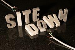 El sitio abajo manda un SMS cuando el sitio web es inasequible Imagen de archivo