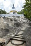El sitio antiguo de Madya Mandalaya situado alrededor 20 kilómetros de Panamá en la costa este de Sri Lanka Imagen de archivo libre de regalías