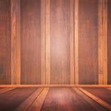 El sitio con un piso de madera y las paredes de ladrillo para el montaje de la exhibición del producto, puede ser utilizado para  Imágenes de archivo libres de regalías