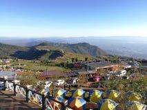 El sitio para acampar en Phu Thap Boek por la mañana es caliente fotos de archivo libres de regalías
