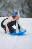 el sledding del niño  Imagenes de archivo