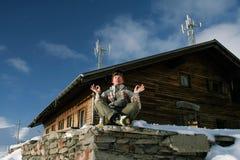 El Snowboarder adentro se relaja Fotografía de archivo libre de regalías