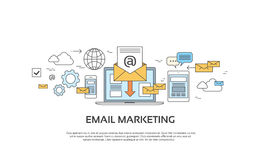El sobre de comercialización del ordenador portátil del correo electrónico envía el entretenimiento del dispositivo del correo de Foto de archivo libre de regalías