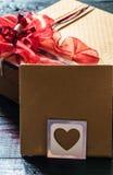 el sobre en tarjeta del día de San Valentín Fotografía de archivo libre de regalías