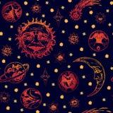 El sol con la cara arrugada de un viejo hombre sabio, de una luna joven, de planetas, de un cometa y de estrellas de diversas for Fotos de archivo libres de regalías