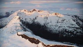 El sol de medianoche en el ártico metrajes