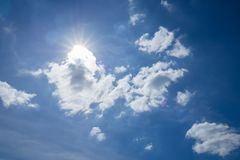 El sol en la luz del día Imágenes de archivo libres de regalías
