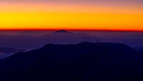 El sol está para arriba en la montaña Foto de archivo libre de regalías