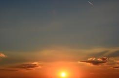 El sol hermoso va abajo Foto de archivo