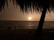 El sol naciente Imagen de archivo libre de regalías