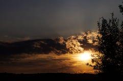 El sol pasado fotografía de archivo