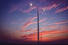 El sol poniente fotos de archivo