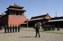 El soldado chino tiene taladro Fotografía de archivo