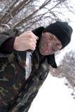 El soldado con un cuchillo. fotos de archivo