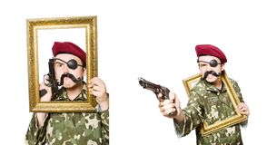 El soldado divertido en concepto militar imagen de archivo