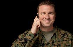 El soldado llama a casa Fotografía de archivo libre de regalías