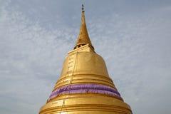 El soporte de oro en Wat Saket, Bangkok Tailandia Fotografía de archivo