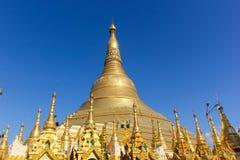 El stupa principal de la pagoda de Shwedagon Fotos de archivo