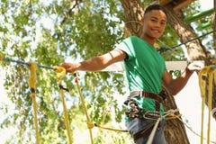 El subir afroamericano del adolescente Imagen de archivo libre de regalías