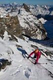 El subir alpino del invierno Fotografía de archivo libre de regalías