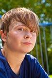 El sudar feliz joven del muchacho Imagen de archivo