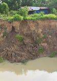 El suelo analiza el cinc de la cabaña. Fotografía de archivo libre de regalías