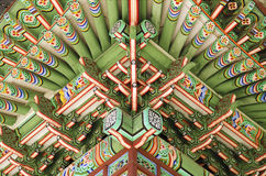 El Sur pintado de madera Corea de Seul del edificio del palacio Imagenes de archivo