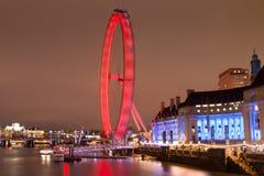 El Támesis y el ojo de Londres Foto de archivo libre de regalías
