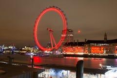 El Támesis y el ojo de Londres Fotos de archivo libres de regalías