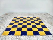 El tablero de ajedrez construido en la tabla mable fotografía de archivo