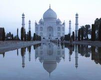El Taj Mahal - Agra - la India fotos de archivo