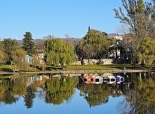 El Tajamar sjö i Alta Gracia, Argentina royaltyfria bilder