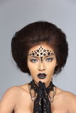 El talento creativo de lujo estilo compone y de pelo en hermoso asiático fotografía de archivo