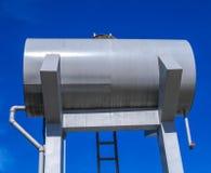 El tanque al aire libre del abastecimiento de agua Fotos de archivo libres de regalías