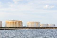 El tanque de aceite o envase del gas imágenes de archivo libres de regalías