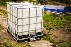 El tanque de agua blanca Fotografía de archivo