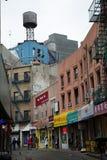 El tanque de agua en Chinatown en ciudad de NY en los E.E.U.U. Imagen de archivo libre de regalías