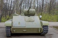 El tanque de ejército soviético, que participó en las batallas de la Segunda Guerra Mundial Imagen de archivo libre de regalías