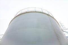 El tanque de la tienda del combustible de complejo de reaprovisionamiento de combustible Foto de archivo