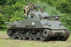 El tanque de M4 Sherman en el museo de la armadura americana Foto de archivo
