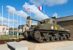El tanque de M4 Sherman en Normandía Francia fotos de archivo