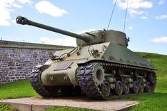 El tanque de WWII en el La Citadelle en la ciudad de Quebec, Canadá Foto de archivo libre de regalías