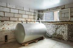 El tanque del fuelóleo doméstico Fotos de archivo libres de regalías