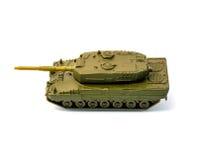 El tanque del juguete aislado en el fondo blanco Imagenes de archivo