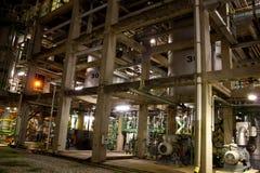El tanque del reactor en fábrica imagen de archivo libre de regalías