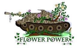 El tanque demasiado grande para su edad con las flores Fotografía de archivo