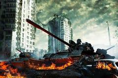 El tanque en las ruinas de la ciudad Paisaje apocalíptico Imagen de archivo libre de regalías