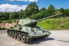 El tanque medio soviético viejo t34/85 Imagenes de archivo